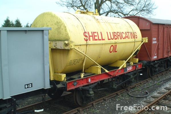 Picture of Shell tank wagon, Derwent Valley Light Railway, Murton, York - Free Pictures - FreeFoto.com