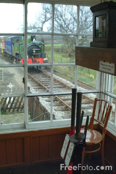Picture of Signal Box, Derwent Valley Light Railway, Murton, York - Free Pictures - FreeFoto.com
