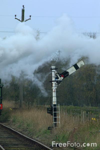 Picture of Semaphore Signal, Derwent Valley Light Railway, Murton, York - Free Pictures - FreeFoto.com