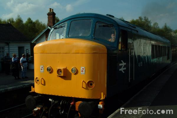 Picture of Peak Class 45 45133 (D40) - Free Pictures - FreeFoto.com