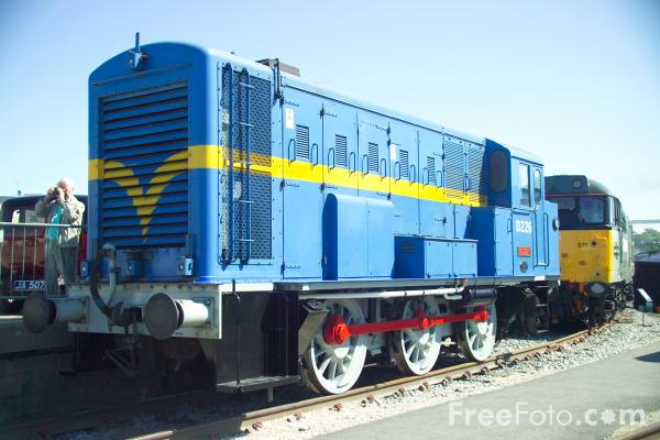 Picture of Prototype English Electric Shunter D226 Vulcan at RailFest 2004 - Free Pictures - FreeFoto.com