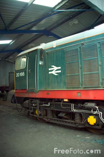 Picture of Class 20 English Electric Type 1 Bo-Bo 20166 (D8166) - Free Pictures - FreeFoto.com