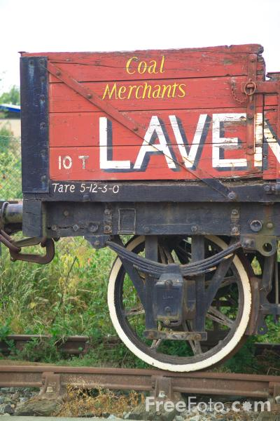 Picture of Lavender 4 plank open wagon - Free Pictures - FreeFoto.com