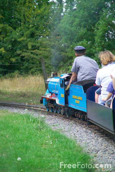 Picture of Eastleigh Lakeside Steam Railway - Free Pictures - FreeFoto.com