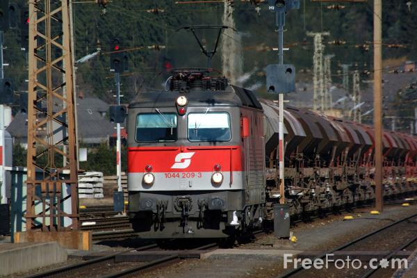 Picture of Austrian Railways Class 1044 - Free Pictures - FreeFoto.com