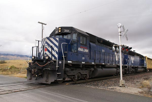 Picture of Montana Rail Link EMD SD45-2XR 351 - Free Pictures - FreeFoto.com