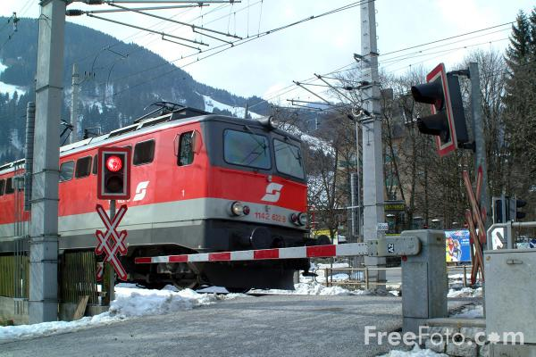 Picture of Austrian Railways Class 1142 - Free Pictures - FreeFoto.com