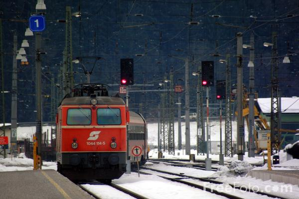 Picture of Austrian Railways Class 1142 535-2 - Free Pictures - FreeFoto.com