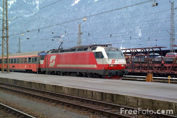 Picture of Austrian Railways Class 1822 003-8 at Spittal-Millstättersee - Free Pictures - FreeFoto.com