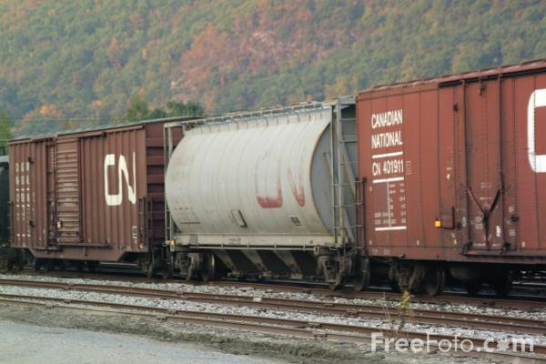 Picture of Freight Car Boxcars - Free Pictures - FreeFoto.com