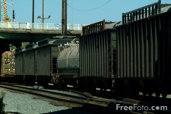 Picture of American Freight Train, Sacramento, California - Free Pictures - FreeFoto.com