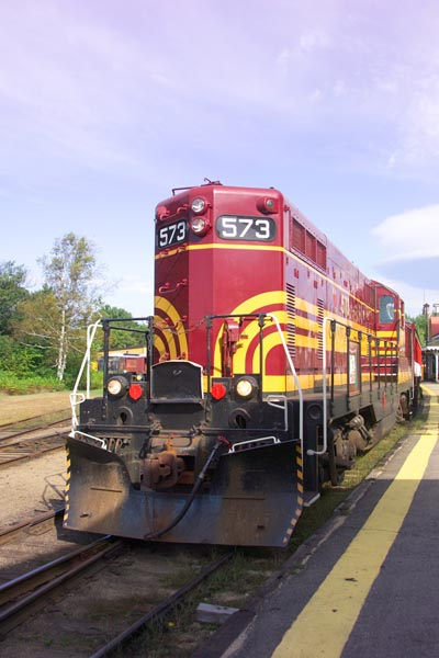 Picture of Conway Scenic Railroad (ex Maine Central) GP-7 573 - Free Pictures - FreeFoto.com