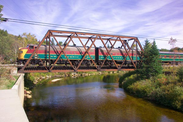 Picture of Conway Scenic Railroad - Free Pictures - FreeFoto.com