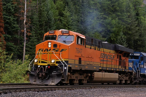 Picture of BNSF 7647 ES44DC - Free Pictures - FreeFoto.com