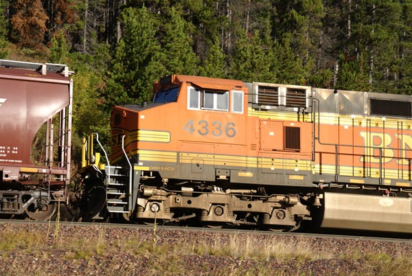Picture of Burlington Northern Santa Fe Railroad - Free Pictures - FreeFoto.com