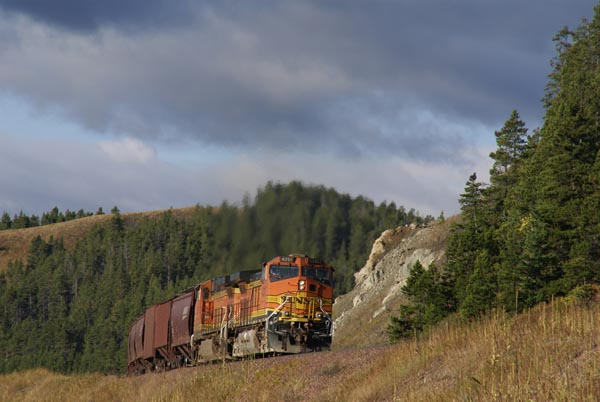 Picture of Helper Locomotives - Free Pictures - FreeFoto.com