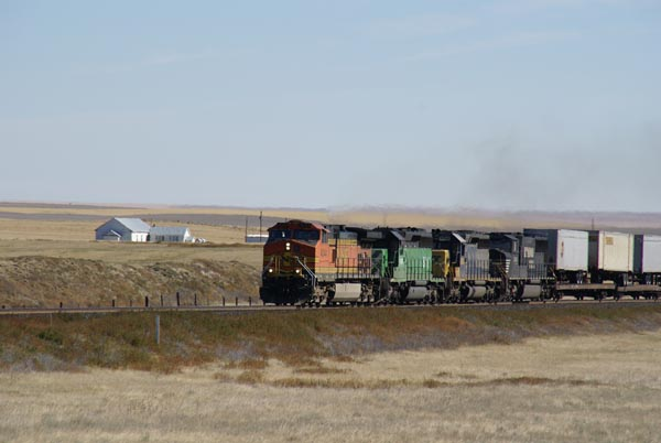 Picture of Intermodal Railroad Train - Free Pictures - FreeFoto.com