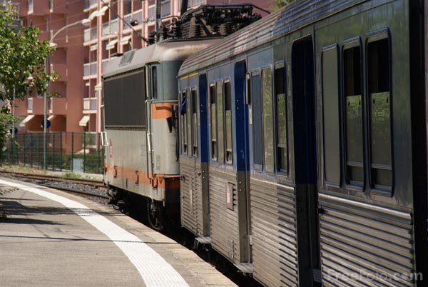 Picture of SNCF Train Service - Free Pictures - FreeFoto.com