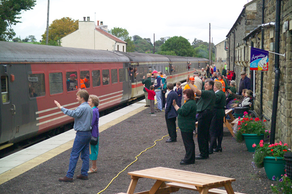 Picture of Wensleydale Railway NENTA railtour 25th September 2004, Leyburn - Free Pictures - FreeFoto.com