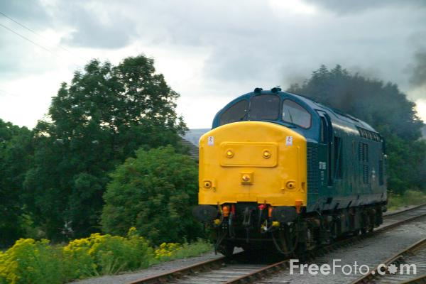 Picture of Class 37 37198, Wensleydale Railway - Free Pictures - FreeFoto.com