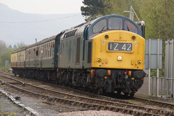 Picture of Class 40 40145 at Battersby, North Yorkshire. - Free Pictures - FreeFoto.com