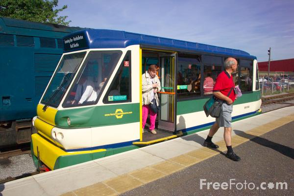 Picture of Parry People Movers light railcar on the Wensleydale Railway - Free Pictures - FreeFoto.com