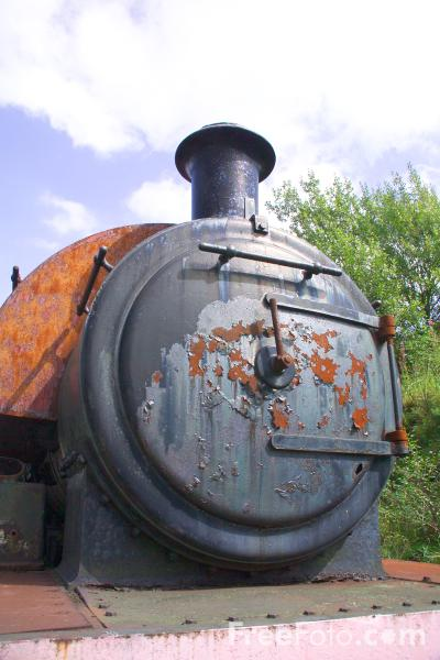 Picture of Rusty old steam engine, The Tanfield Railway - Free Pictures - FreeFoto.com