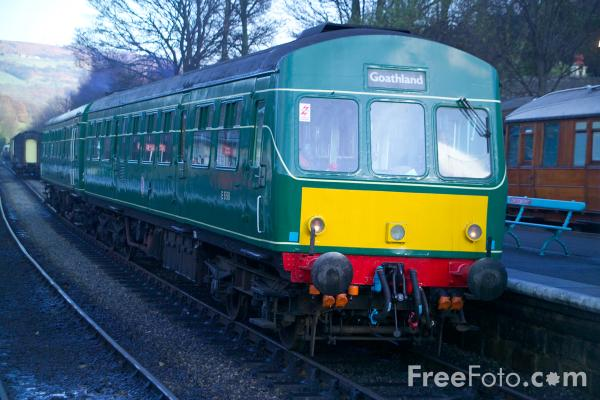 Picture of British Rail Class 101 Metro-Cammell DMU 101680 Grosmont - Free Pictures - FreeFoto.com