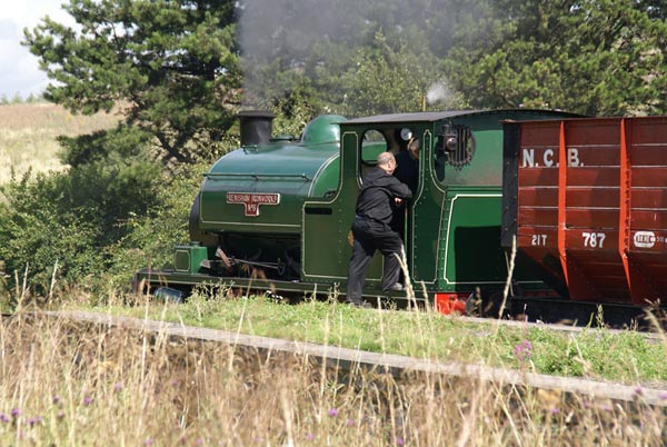 Picture of Hudswell Clarke 0-6-0ST Renishaw Ironworks No 6 - Free Pictures - FreeFoto.com