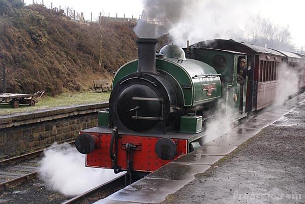 Picture of Hudswell Clarke 0-6-0ST Renishaw Ironworks No.6 - Free Pictures - FreeFoto.com