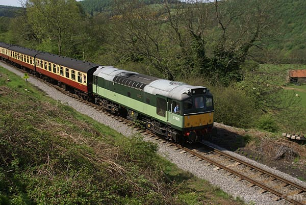 Picture of BR Class 25 D7628 - Free Pictures - FreeFoto.com