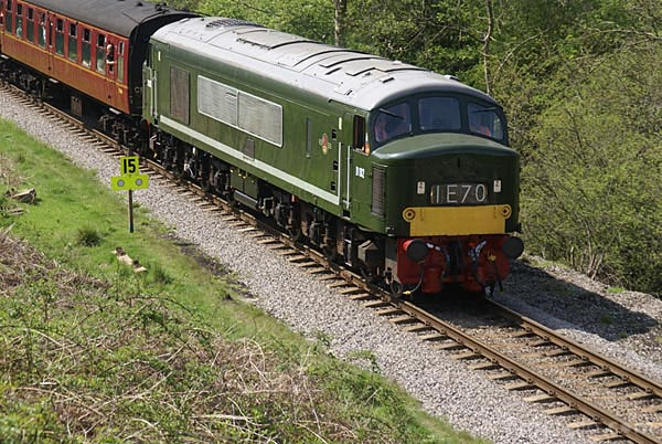 Picture of Class 46 Peak D182 - Free Pictures - FreeFoto.com