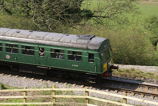 Picture of British Rail Class 101 Metro-Cammell DMU - Free Pictures - FreeFoto.com
