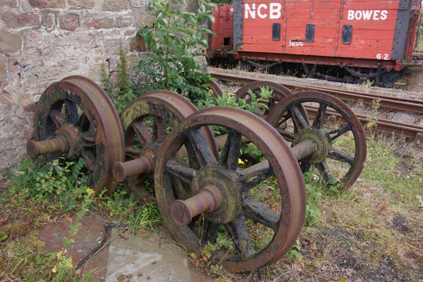 Picture of Old rusty ralway wheels - Free Pictures - FreeFoto.com