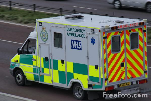 Picture of North East Ambulance Service Paramedic Unit - Free Pictures - FreeFoto.com