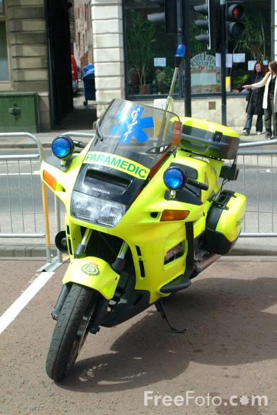 Picture of North East Ambulance Service Rapid Response Motorcycle Paramedic - Free Pictures - FreeFoto.com