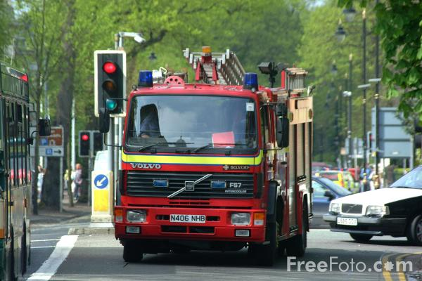 Picture of South Wales Fire Service Fire Engine - Free Pictures - FreeFoto.com