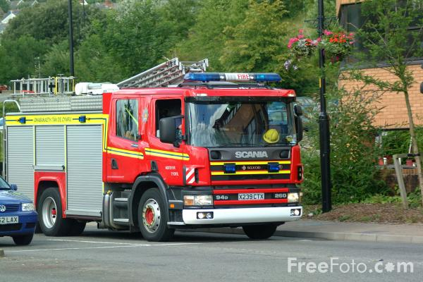 Picture of Merthyr Tydfil Fire Engine - Free Pictures - FreeFoto.com