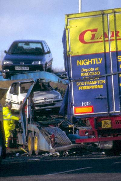 Picture of Road Traffic Accident - Free Pictures - FreeFoto.com