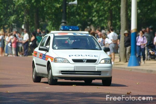 Picture of Metropolitan Police Car - Free Pictures - FreeFoto.com