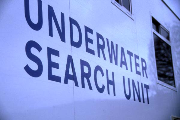 Picture of Police Underwater Search Unit - Free Pictures - FreeFoto.com