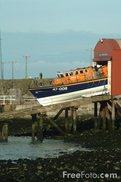Picture of Teesmouth All Weather Lifeboat Phil Mead 47-008 - Free Pictures - FreeFoto.com