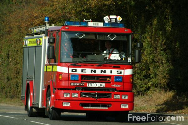 kent fire  rescue service pump rescue ladder pictures   image     freefotocom