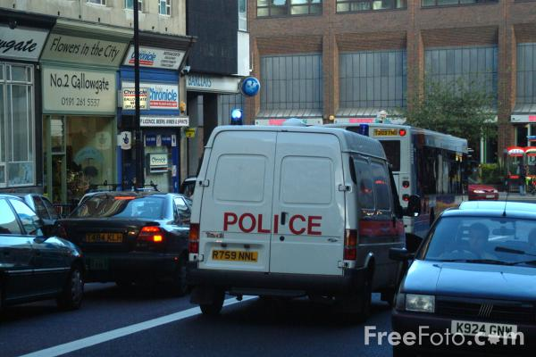 Picture of Police Van - Free Pictures - FreeFoto.com