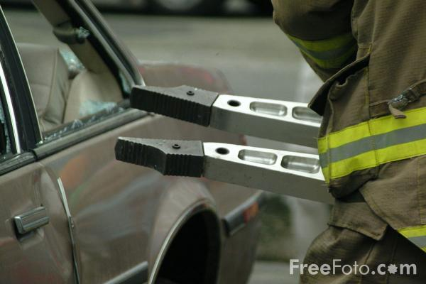 Picture of Spreader - Electro-Hydraulic Auto Extrication Tool - Free Pictures - FreeFoto.com