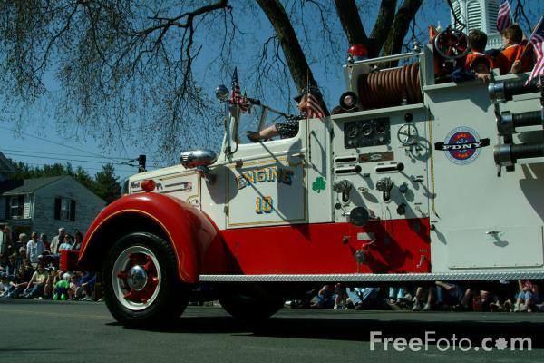 Picture of Vintage American Fire Truck - Free Pictures - FreeFoto.com