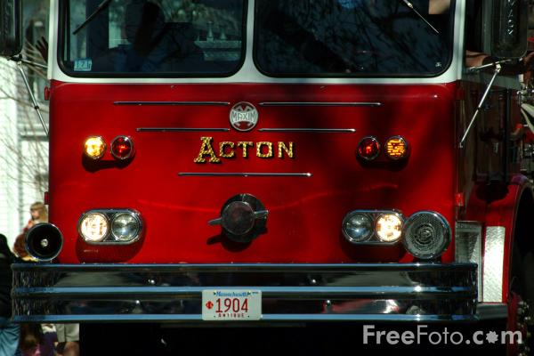 Picture of Acton Engine 21 American Fire Truck - Free Pictures - FreeFoto.com