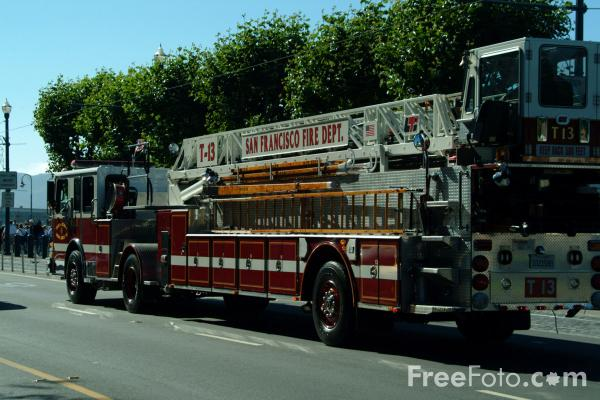 Picture of San Francisco Fire Department Aerial Truck T-13, San Francisco, California - Free Pictures - FreeFoto.com
