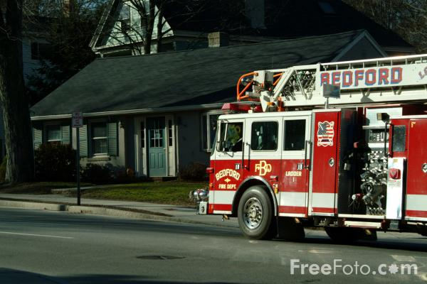 Picture of Bedford Ladder 1 American Fire Truck - Free Pictures - FreeFoto.com