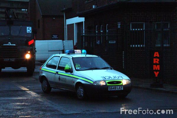 Picture of Green Goddess leaving the TA Centre, Stockton Road, Middlesbrough, Cleveland. - Free Pictures - FreeFoto.com